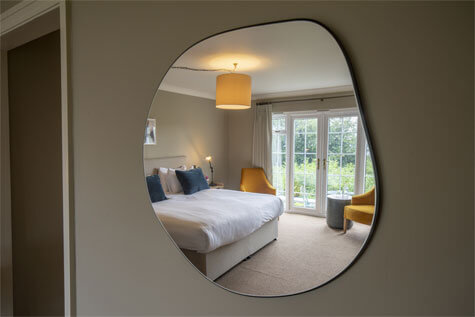The Cottage in the Wood Hotel_Mirror in the wall-Sleep